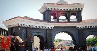 Mahaganapathi mandir entrance Ranjangaon